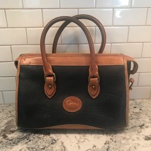 Vintage Dooney & Bourke hand bag purse.
